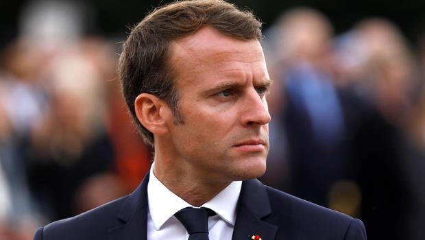 Emmanuel Macron ha tenido problemas con los planes de construir una nueva piscina en su retiro presidencial privado.