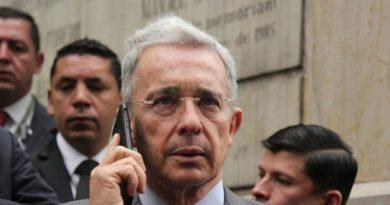 Uribe denució amenazas en su contra tras publicarse su número de celular