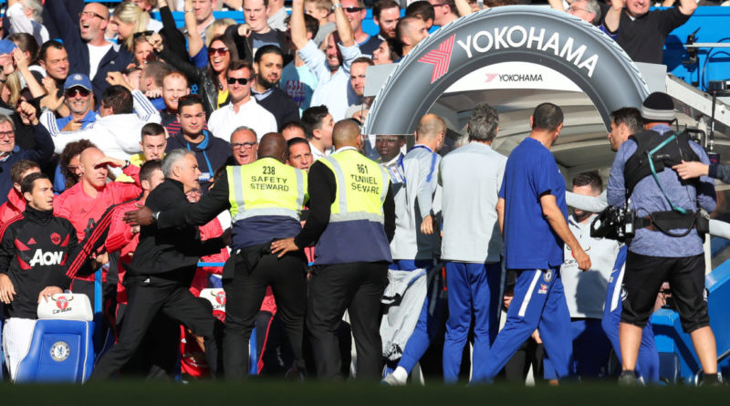 Gran partido entre Chelsea y United finalizó con polémica