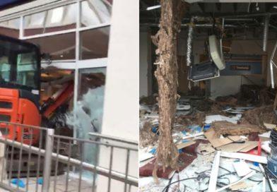 Trabajador de 'disputa salarial' destroza hotel en alboroto de excavadoras