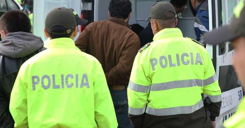 Cinco policías fueron a la cárcel por posible soborno a comerciante en Bogotá