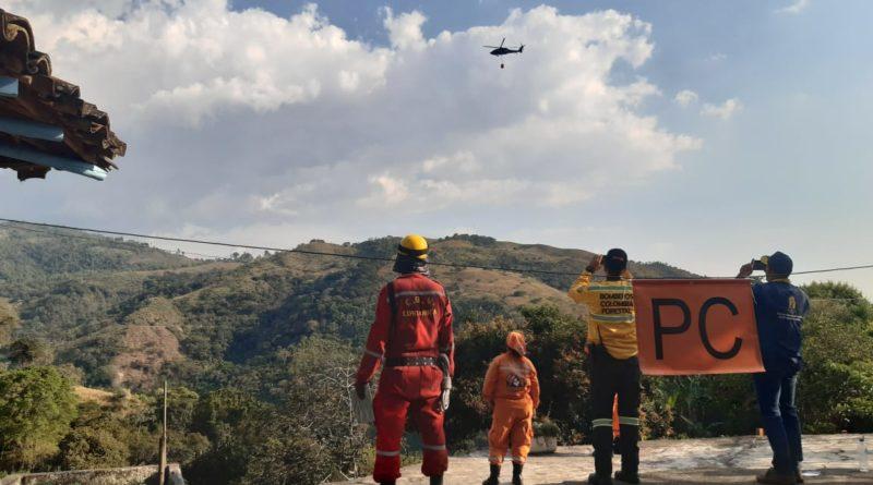 (VIDEO) Voraz incendio en Ginebra, Valle, cuenta con apoyo de F.A.C