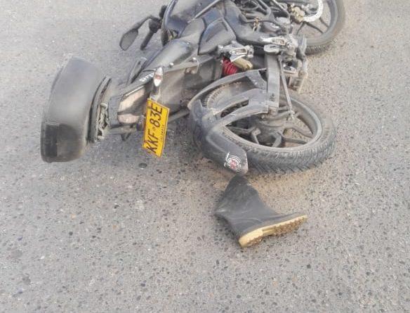 [Imágenes fuertes] Una persona muerta dejo fuerte accidente entre dos motociclistas en la calle 13[Video +18]
