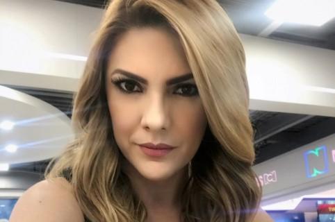 Se viralizan fotos de Ana Karina Soto, aparentemente, antes de las cirugías en el rostro