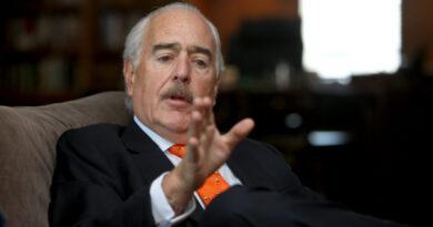 Pastrana pone un alto para los líderes de las Farc ante la JEP