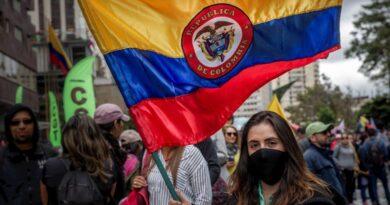 Conflicto político por fallo de la corte suprema ante las protestas