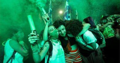 Senado argentino aprueba legalización del aborto en histórica decisión