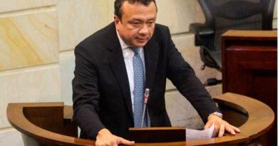 Eduardo Pulgar un senador lleno de escándalos