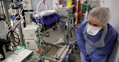 Francia entra en el tercer pico de contagios por covid-19