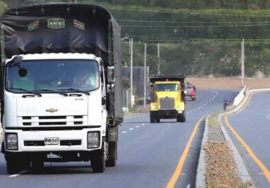 Ministerio de Transporte anuncia que se avanzará en la creación de una política para modernizar los vehículos de carga liviana
