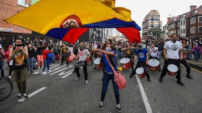 Cerca de 33 mil personas se manifestaron pacíficamente el 12 de mayo en la capital del país